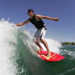 Surfing za člunem na wakesurfu