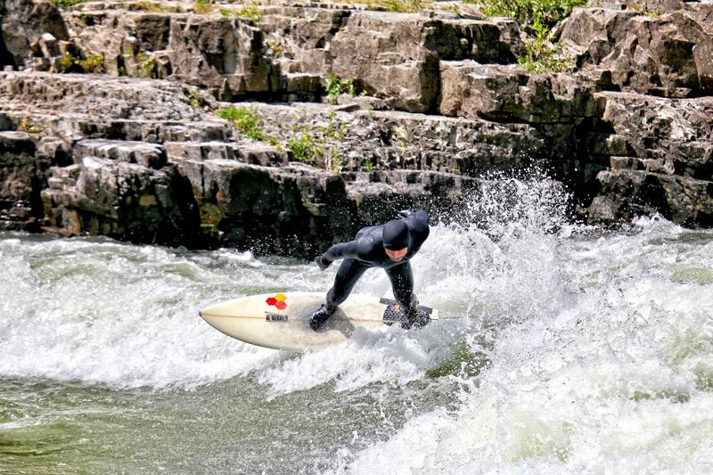 iguchi_surfing_01a