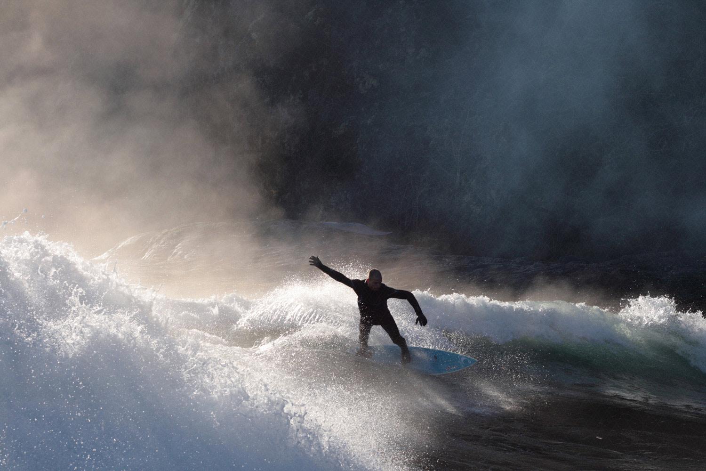 superman surfing