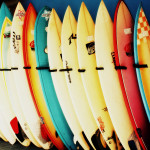 surfy ve stojanu